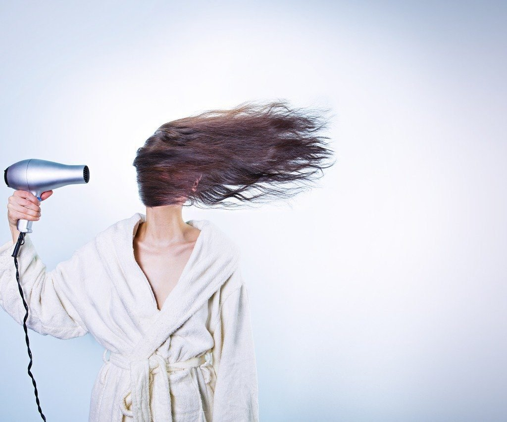 suszenie głowy po myciu